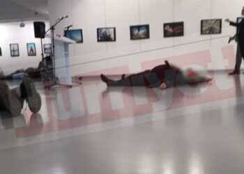 Putin: Asesinato de embajador va contra lazos ruso-turcos