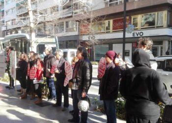Concentración de Stop Desahucios Granada en la entidad BMN