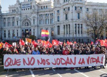 """Garzón anima a la movilización """"como sociedad y como víctimas de la crisis"""" porque llegó el momento de """"recuperar los derechos que nos han robado"""""""