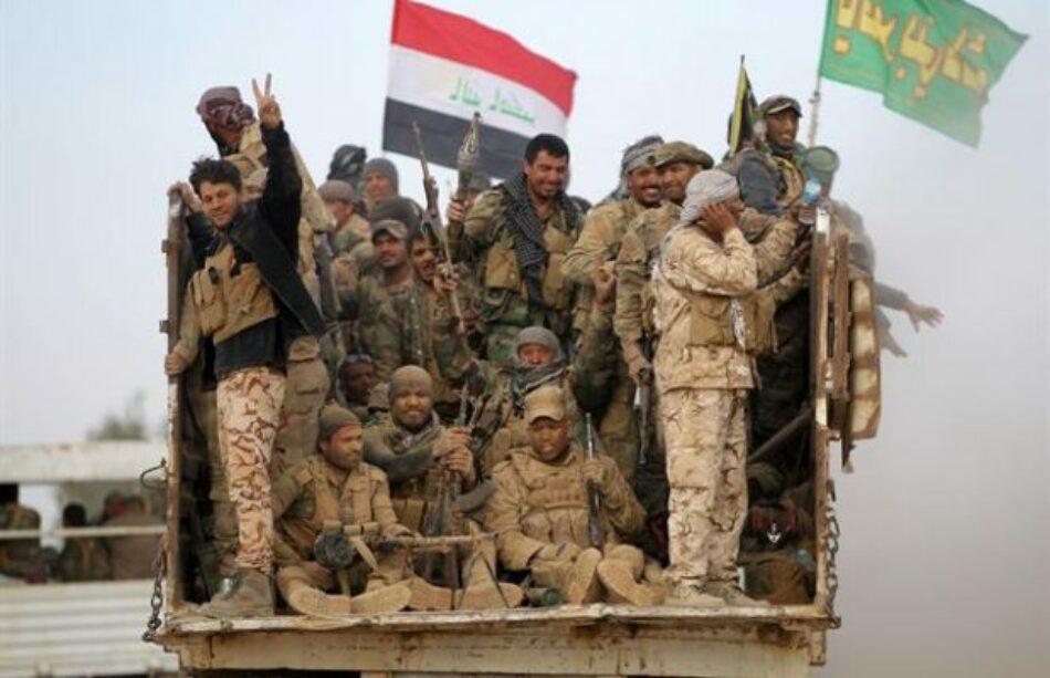 Iraquíes avanzan al suroeste de Mosul y liberan a 2300 familias