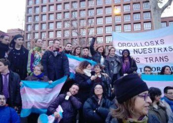 Plataforma por los Derechos Trans insta al PSOE a retirar PNL y pide a los grupos parlamentarios del Congreso no apoyarla