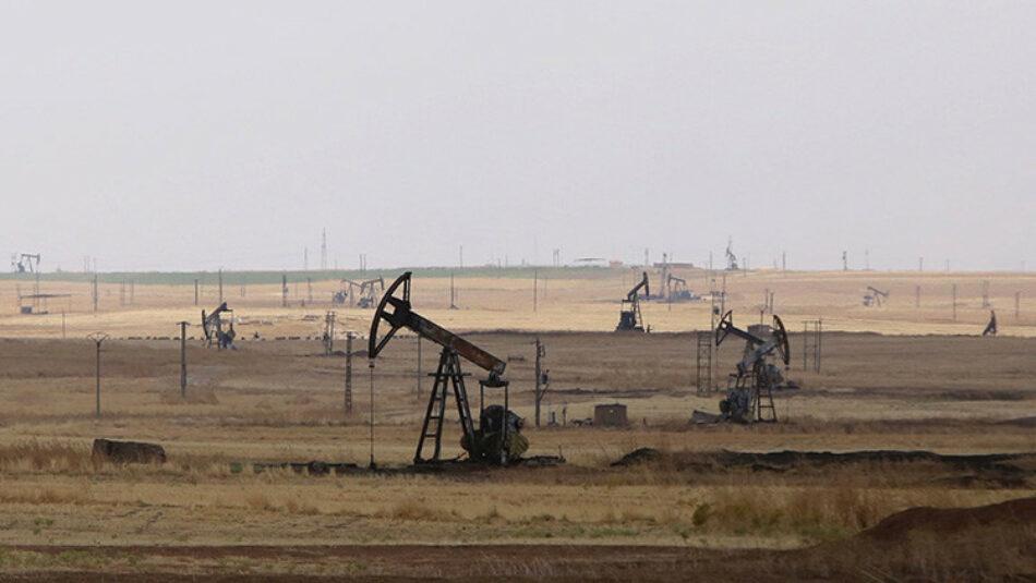 Moscú: EE.UU. no atacó las instalaciones petroleras en poder del Estado Islámico en Siria