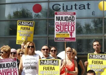 Podemos considera insuficiente el acuerdo PP-PSOE sobre cláusulas suelo