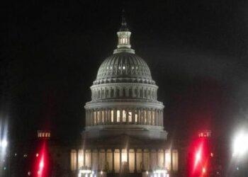 Senado de EE.UU. da el primer paso para revocar el Obamacare