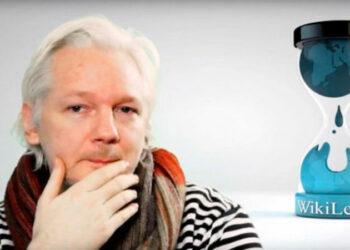 """Assange: """"Soros financia a organizaciones que se concentran en historias negativas sobre Rusia"""""""