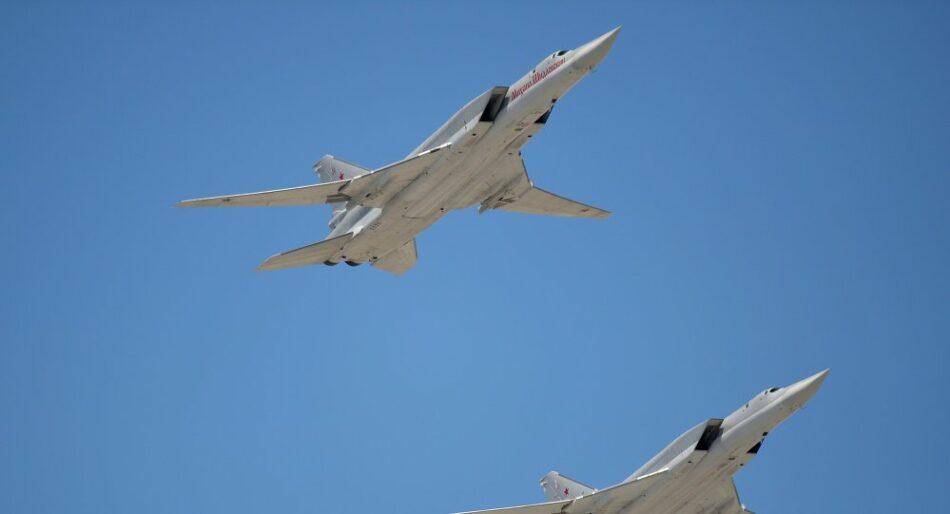 Bombarderos rusos de largo alcance atacan al EI de nuevo en Deir Ezzor