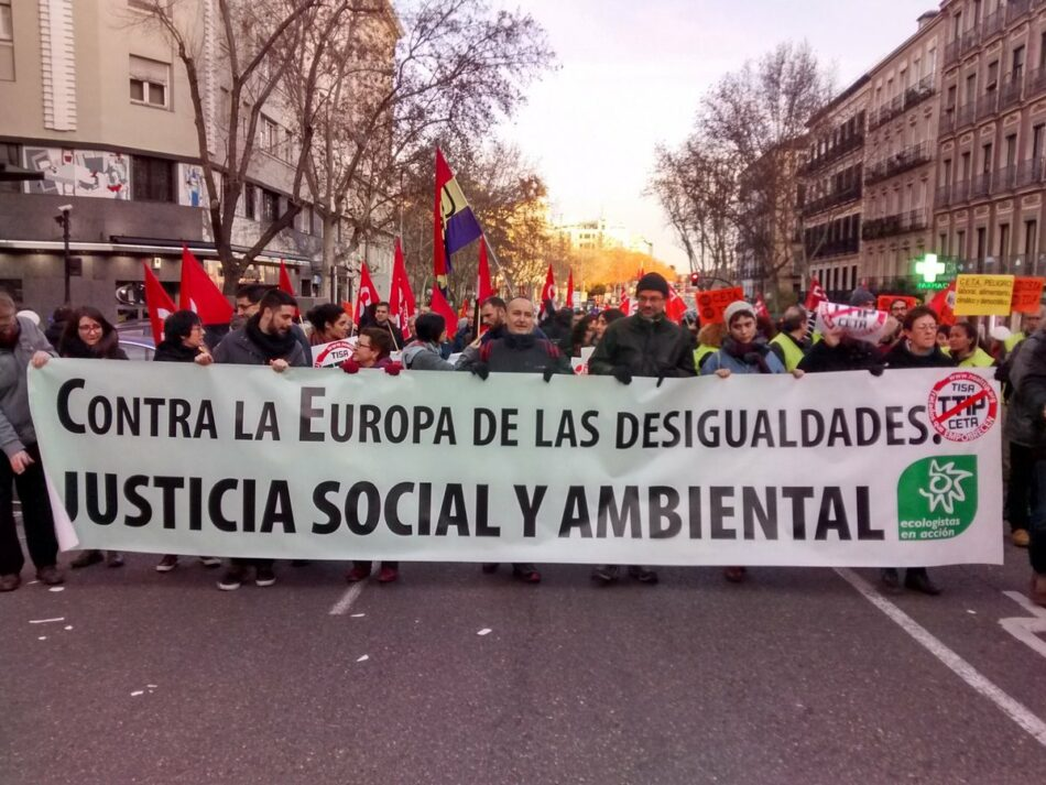 Más de 20 ciudades españolas salen a la calle para pedir a los políticos que voten no al CETA