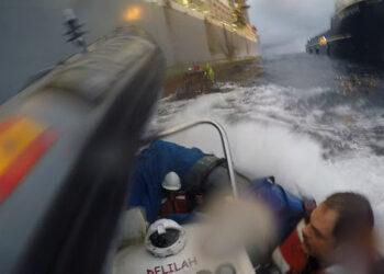 Greenpeace presenta Recurso de Amparo ante el Tribunal Constitucional por la agresión de la Armada en Canarias