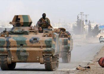 Soldados sirios y turcos se enfrentan en el norte de Siria
