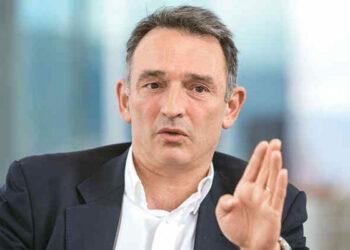 Habla Enrique Santiago, el abogado de las FARC: La paz en peligro en Colombia