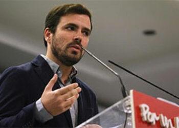 """Garzón señala que Felipe de Borbón """"se equivocaría"""" si """"recupera ahora como un símbolo"""" a su hermana Cristina y """"estaría haciendo un favor a IU y a los republicanos de este país"""""""