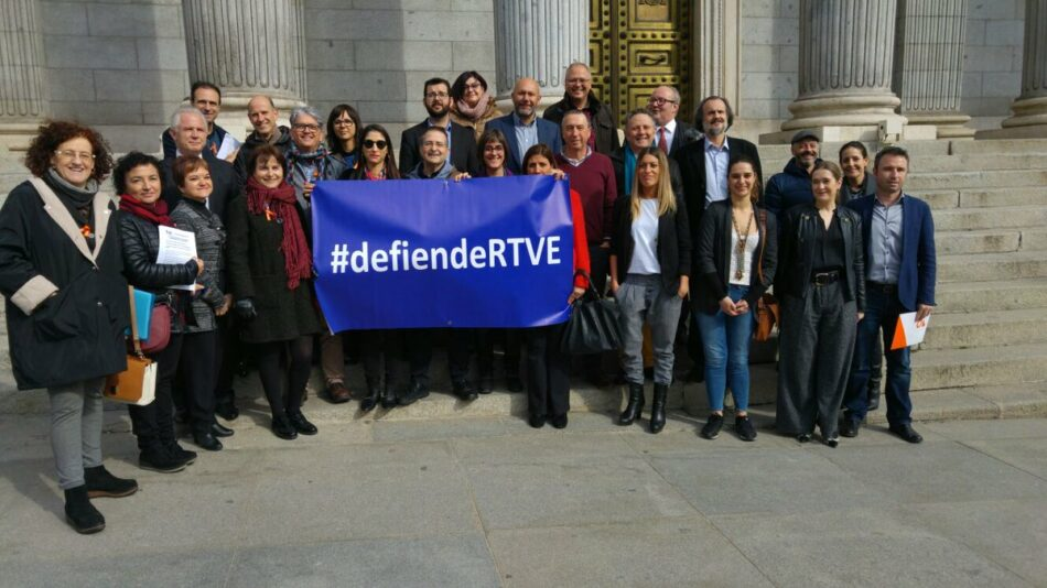 Unidos Podemos apoya a los profesionales de RTVE