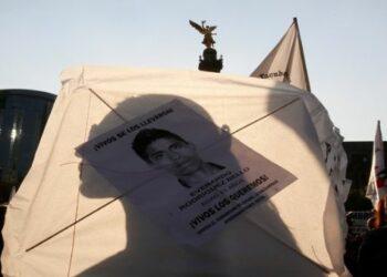 Padres de los 43 normalistas de Ayotzinapa establecen quinta Convención Nacional Popular