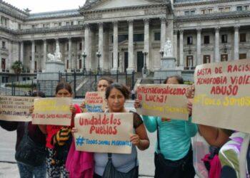 Argentina. Se movilizaron al Congreso para rechazar Ley Racista de Macri. #MigrantesSomosTodxs