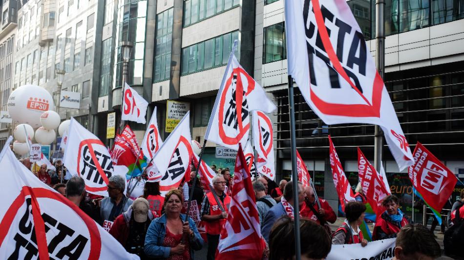 Defender nuestros derechos y soberanía: salir de la Unión Europea