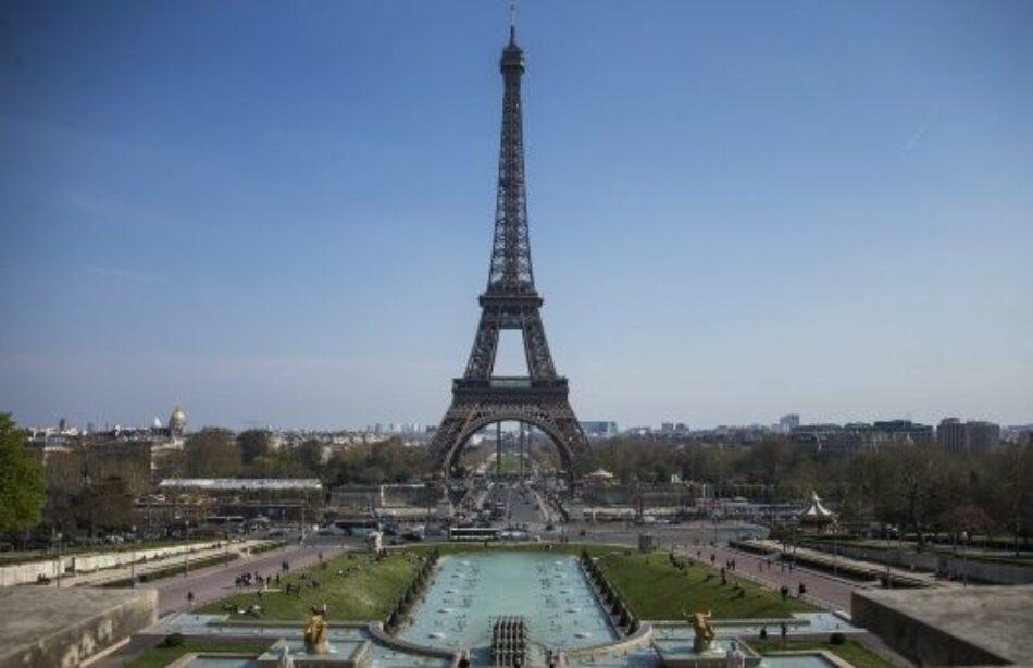 París levantará muro de cristal antibalas en la Torre Eiffel
