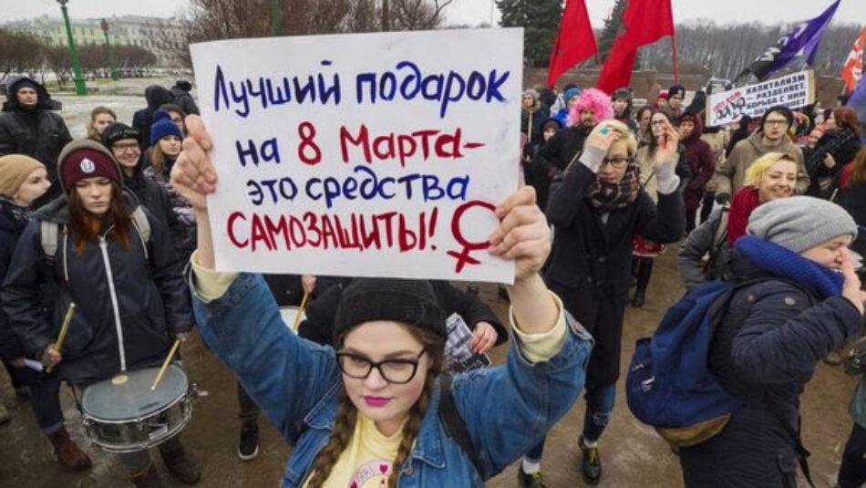 Putin promulga la ley que tolera la violencia machista en Rusia