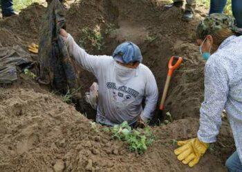 Se han hallado 253 cuerpos en 120 fosas clandestinas en Veracruz, México