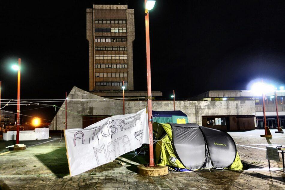 Un mes de acampada contra la pobreza