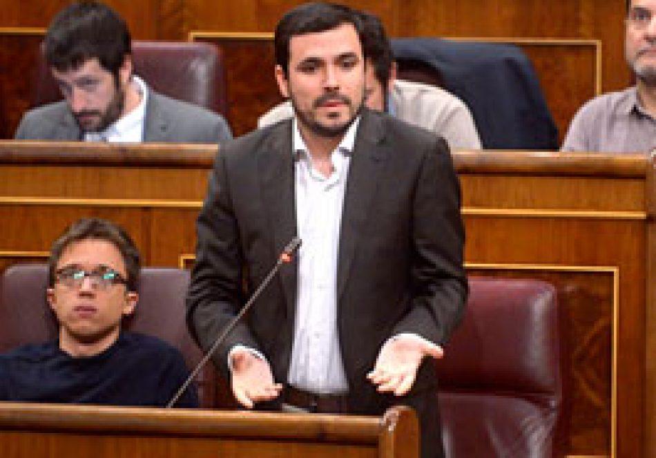 """Garzón reclama a Montoro que """"aplique ya"""" el impuesto a las transacciones financieras para recaudar 1.000 millones más como Italia o Francia de la """"minoría ultra rica que ha saqueado el país"""""""