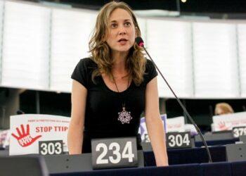 IU exige al gobierno la celebración de un referéndum para ratificar el CETA