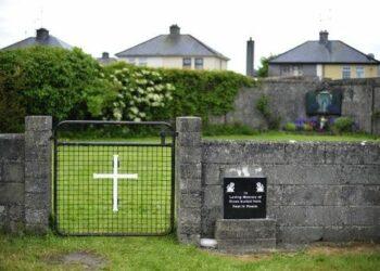 Encuentran numerosos restos de niños en convento de Irlanda