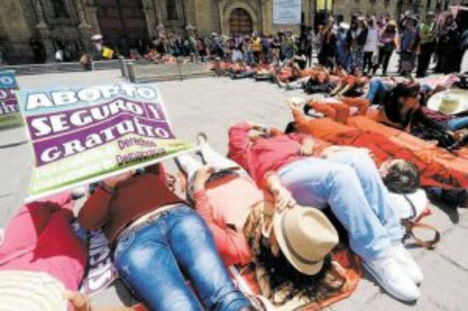 Bolivia debate proyecto que legaliza el aborto / 67.000 mujeres son atendidas por complicaciones de abortos mal realizados