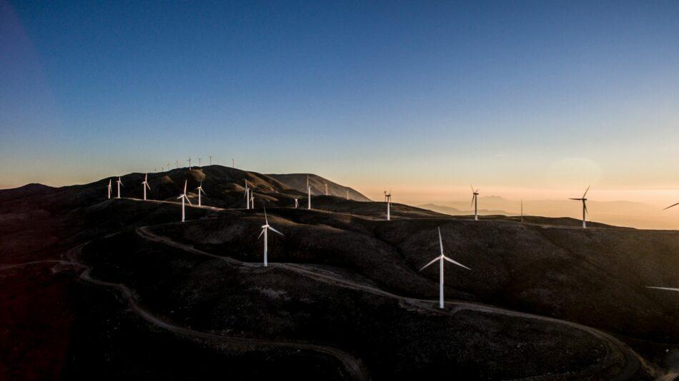Más de 700 ayuntamientos se suman a la electricidad 100% renovable
