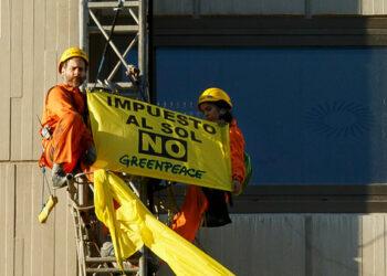 Greenpeace considera que el Gobierno pisotea los derechos de la ciudadanía y las renovables