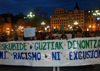 Más de mil personas se manifiestan en Bilbao en el Día Internacional contra el racismo y la xenofobia