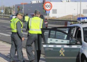 Los guardias civiles ya no serán premiados por multas, los auxilios tendrán la misma valoración