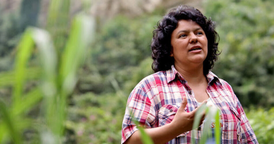 Greenpeace concede su premio Artemio Precioso a Berta Cáceres