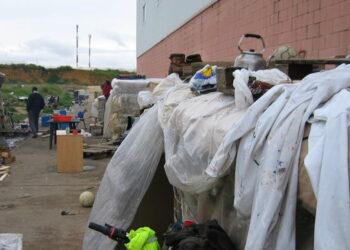 IU y Podemos visitan hoy los campamentos chabolistas de trabajadores de la fresa en Lepe