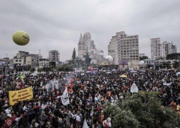 Día histórico en Brasil por huelga general, proclama Rousseff