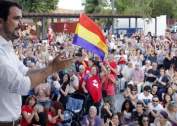 Alberto Garzón y Pablo Iglesias reivindican la II República en el 86 aniversario mirando al futuro