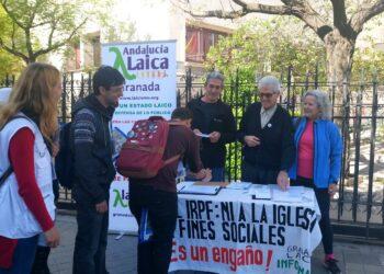 """Granada Laica (Europa Laica) inicia su """"Campaña IRPF 2017"""" de denuncia de la financiación de la Iglesia católica a través del Impuesto de la Renta"""