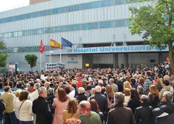 SATSE y un millar de ciudadanos reclaman mantener las plantillas y especialidades del Hospital de Móstoles