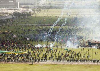 En protesta contra el gobierno, #OcupaBrasília reúne más de 150 mil personas