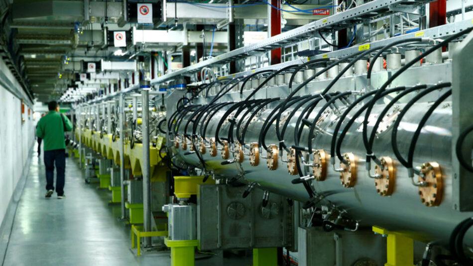 Revolución más allá de la física: el CERN inaugura su nuevo acelerador de partículas