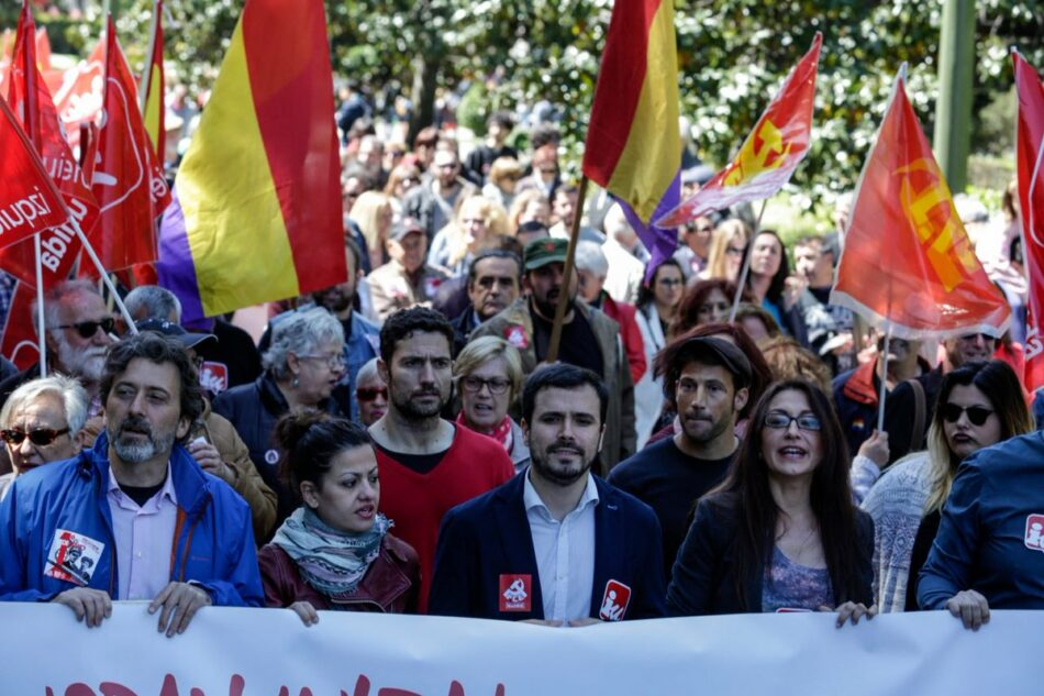 """Garzón llama a la ciudadanía en este """"momento de excepcionalidad"""" a apoyar la moción de censura porque """"la corrupción es meterle la mano en el bolsillo a la clase trabajadora"""""""