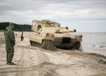 La OTAN inicia una serie de maniobras militares a unos 35 kilómetros de la frontera rusa