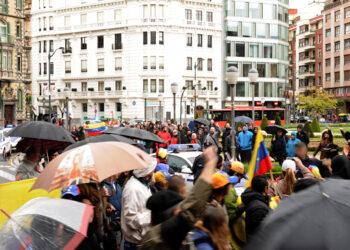 `Chávez presente, Maduro presidente´: concentración antifascista hizo frente en Bilbao al antichavismo golpista