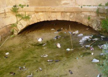 Cambiemos Murcia denuncia el estado de suciedad del canal de los Molinos del Río