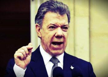 Santos critica la democracia en Venezuela y mantiene toque de queda en Buenaventura (Colombia)