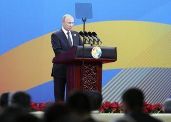 Putin llama al mundo a dejar la retórica belicista