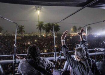 Brasil: 150 mil personas desbordaron la enorme playa de Copacabana en acto histórico por Elecciones Directas Ya!