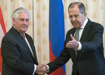 Lavrov y Tillerson conversaron sobre situación en Siria y Qatar