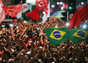 Frente Brasil Popular presenta propuesta para salir de la crisis política y económica