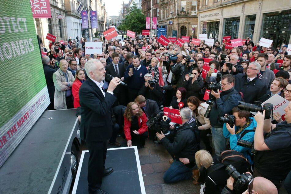 Jeremy Corbyn resucita el laborismo clásico, y se queda a solo 2 puntos del Partido Conservador, que pierde la mayoría absoluta