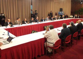 Albiol y Couso exigen al presidente de la Asamblea Nacional venezolana que vuelva a la mesa de diálogo con el Gobierno